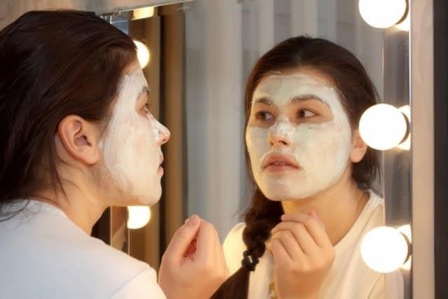 Pasos para realizar una limpieza profunda de tu rostro 6